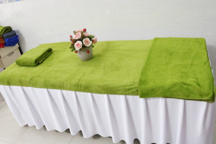 Khăn trải giường spa màu xanh rêu